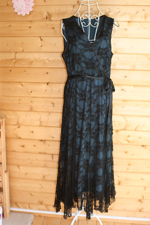 Size 18 Lace Gown