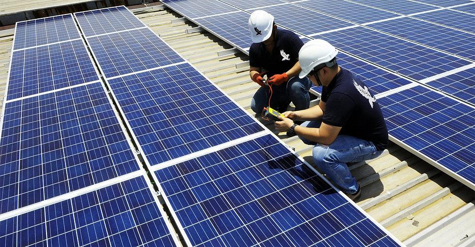 Solarvest-solar-panel-installation.jpg