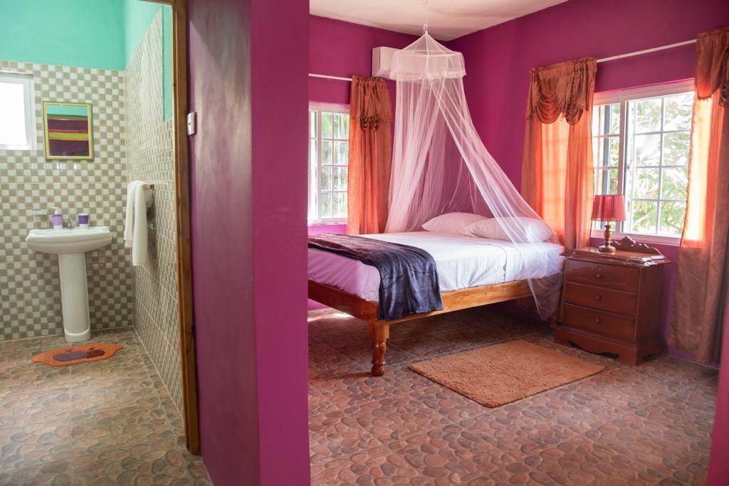 Doranja House II - Room 4 - 1 or 2 Queens