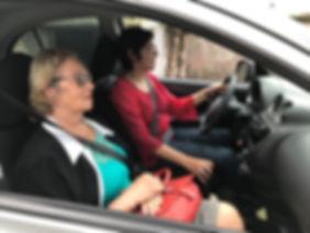 Transporte e acompanhamento de idosos