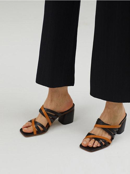 Multi-straps sandals