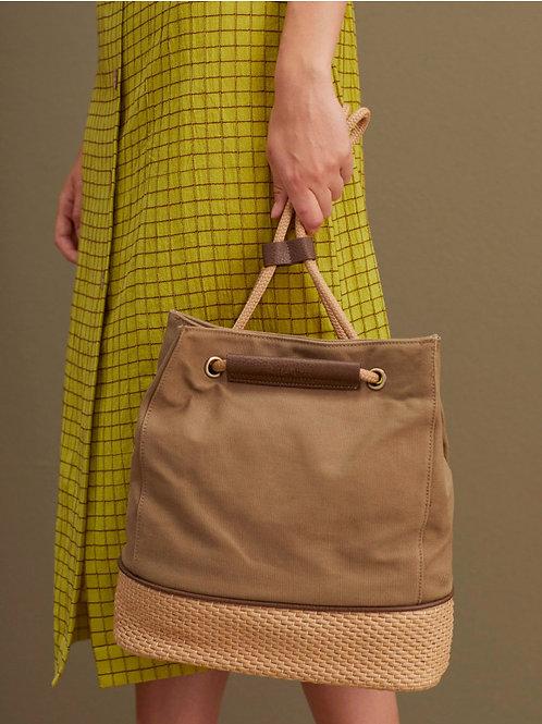 Backpack contrasting base