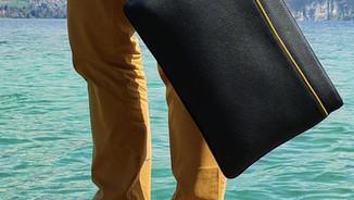 Housse Ordinateur Vue Lac noir et jaune