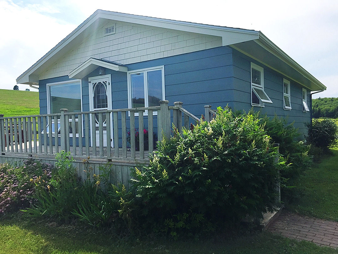Blueberry Hill Cottage (double-click to see full photo)
