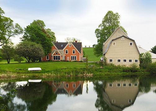 FarmHouse Inn millpond