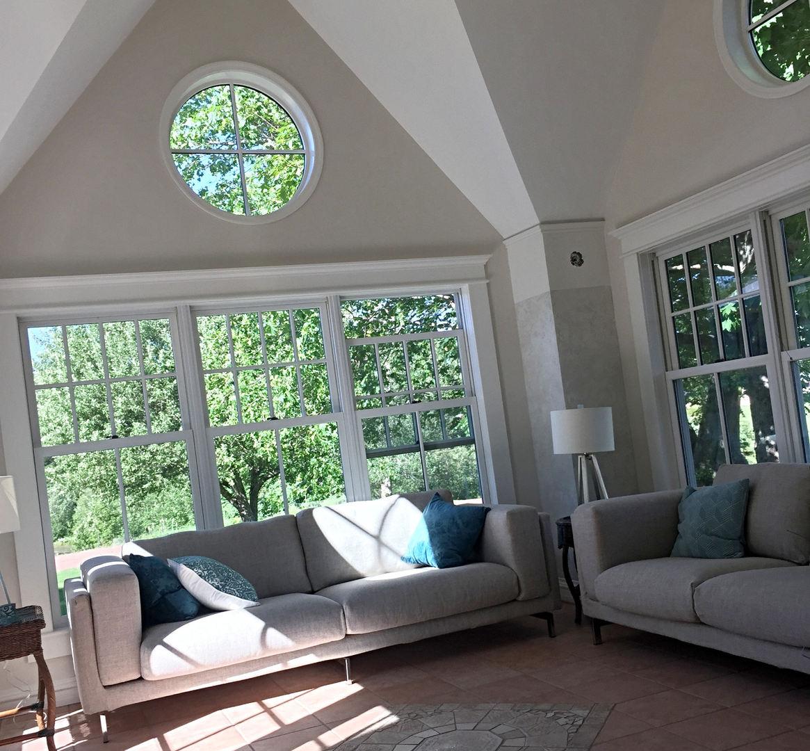 FarmHouse Inn sunroom