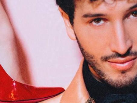 Sebastián Yatra presenta su nuevo sencillo 'Tacones rojos'