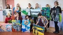 Ida-Virumaa noorte kunstiturniir kasvas üle-eestiliseks maalilahinguks