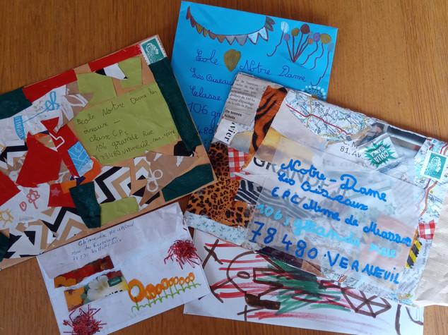 CP C : Lettres à ses camarades en papier recyclé (Eléonore DE MASSAS)