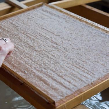 נייר כחומר ביד היוצר