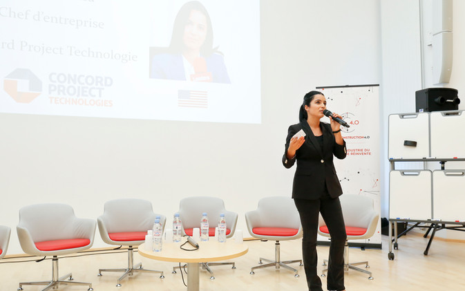 Olfa Hamdi Giving Specialized Presentation