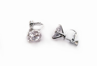 FH2 AZ0018 Cubic Zirconia Clip On Earring