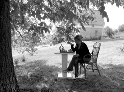 Playing chess with a tree