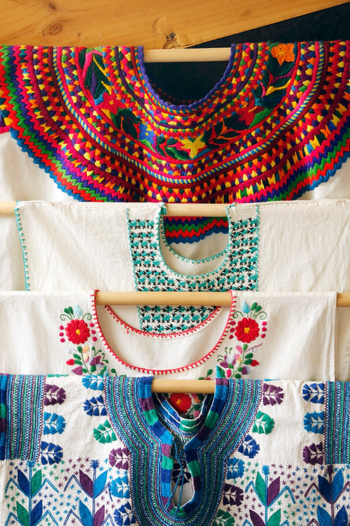 Taller de bordado de Blusas de México y Guatemala