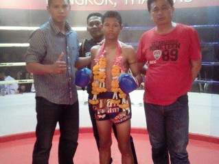 Sameg RaweeMuaythai winning at Lumpinee