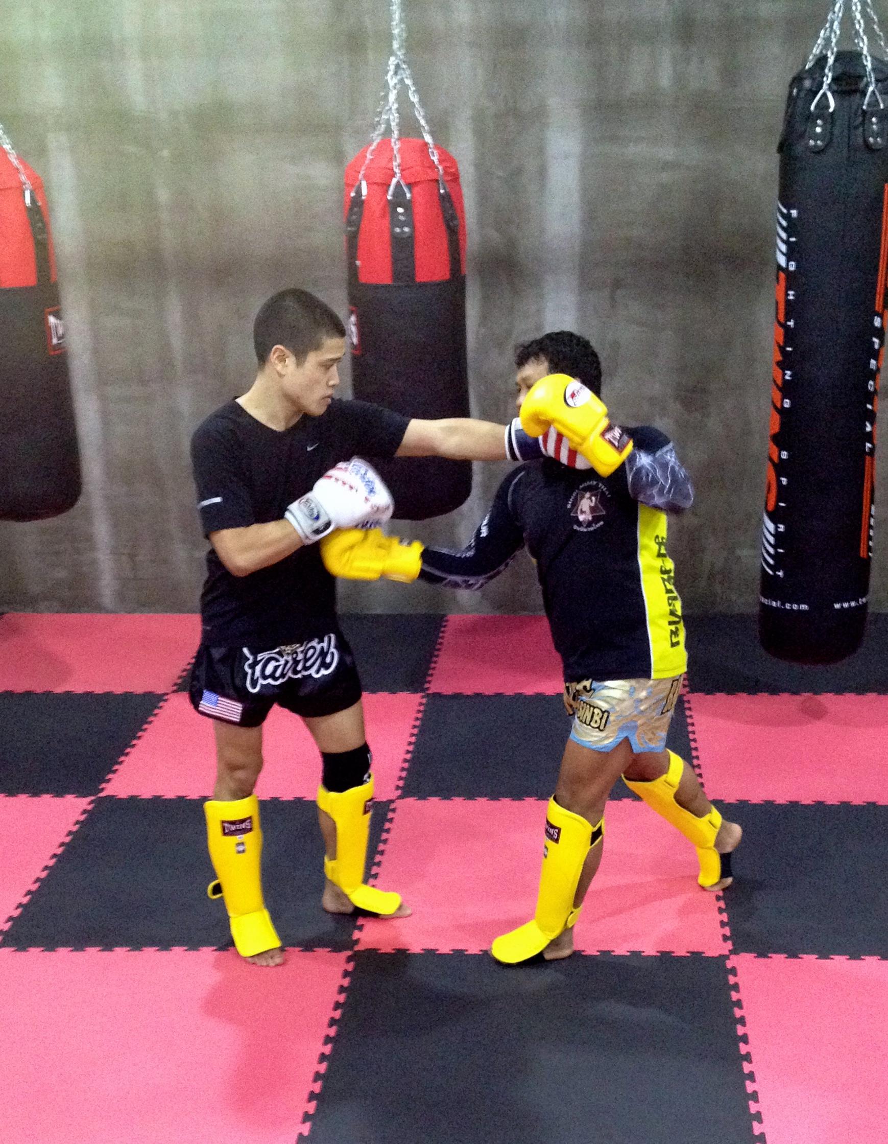 Rawee Muay Thai Shanghai Training 1