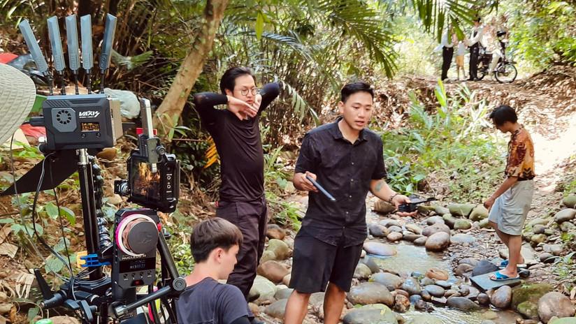 溪邊外景拍攝.jpg