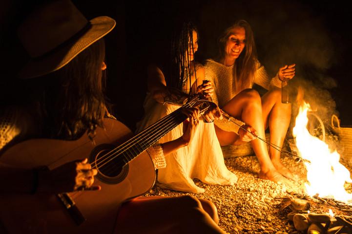 campfire girls_AdobeStock_165476291.jpeg