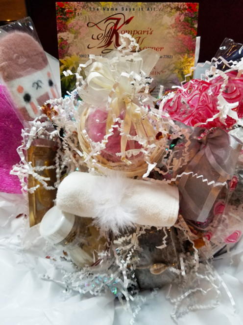 Personalized Gift Basket - Large