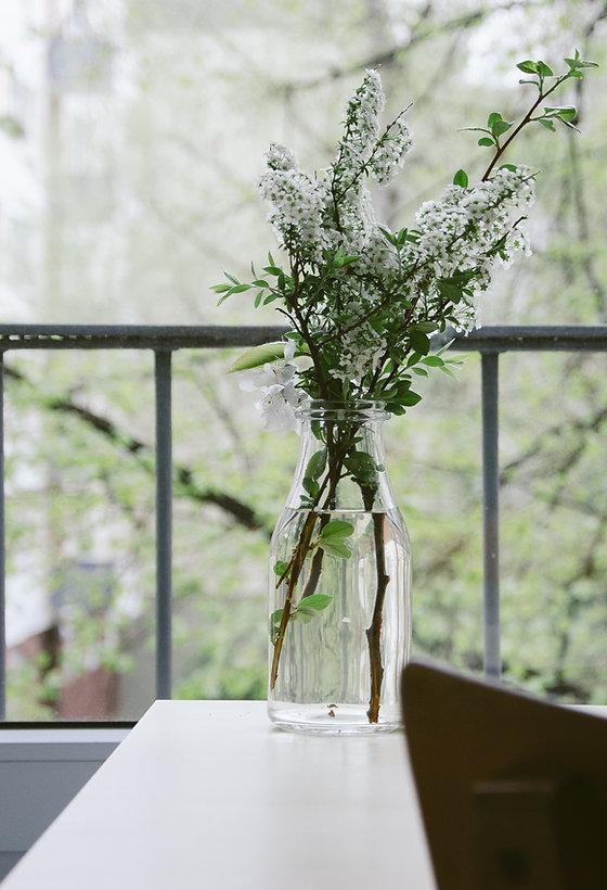 Bloemen op een balkon
