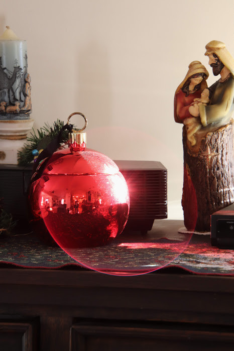 The Glow of an Ornament