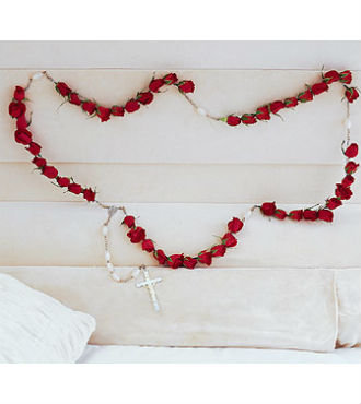 Red Rose Rosary (SBFS32)
