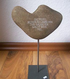 Stein-Skulptur.JPG