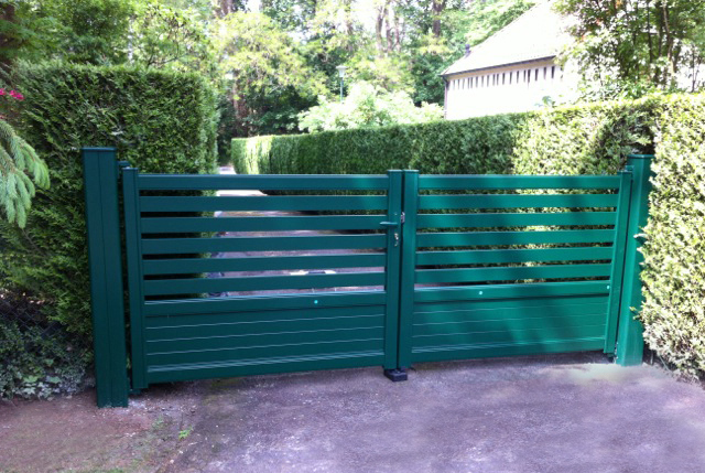 Kebenn Equal Double Aluminium Gate