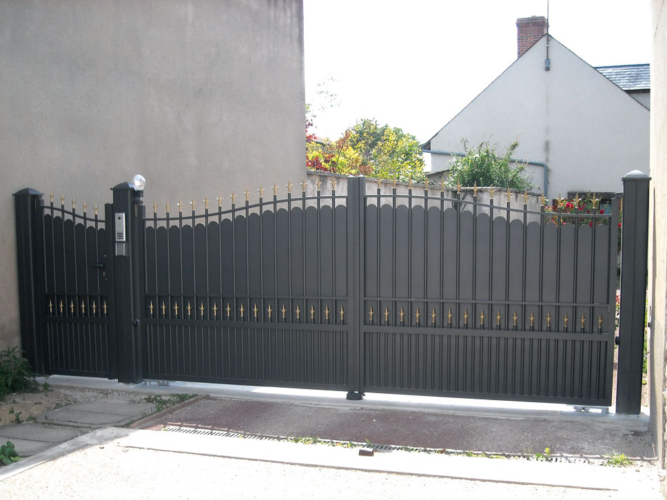 ROSNOEN Traditional Aluminium Gate