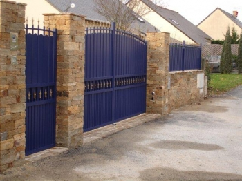 CONFORT Traditional Aluminium Gate