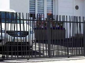 DUNE Aluminium gate