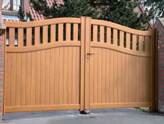 ENEZ aluminium gate wood effect
