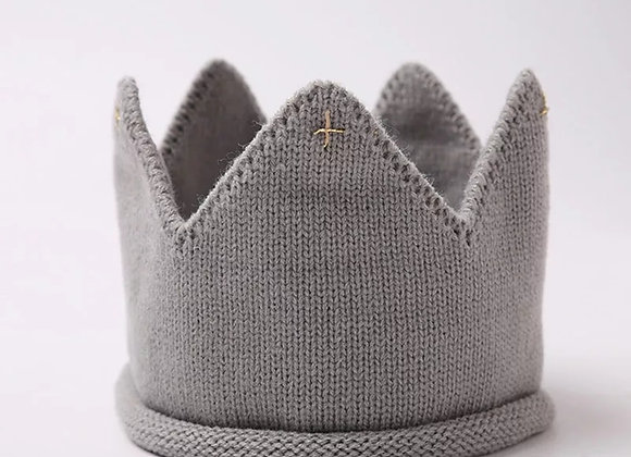 Knitted crown (grey)