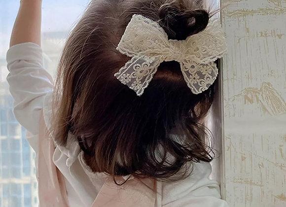 Lace bow clip
