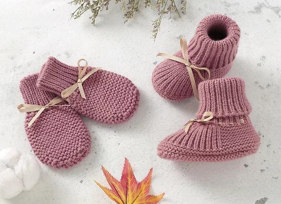 Baby booties & mitten set (grey or pink)