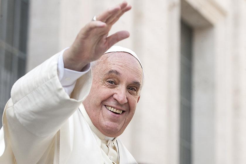 Papst Franziskus Shutterstock.jpg