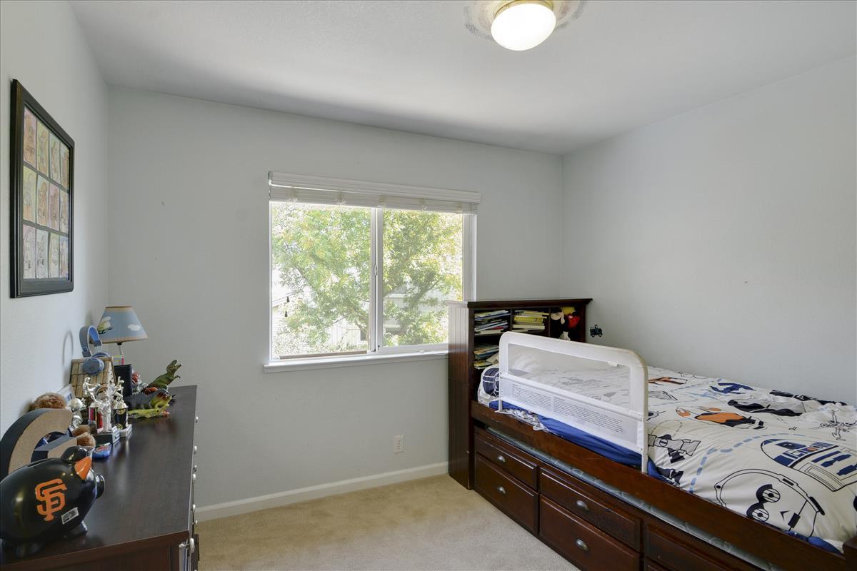 Upper Level-Bedroom 2-DSC0543