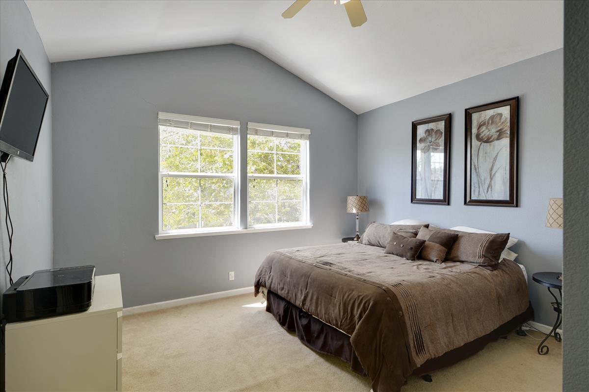 Upper Level-Master Bedroom-DSC0553