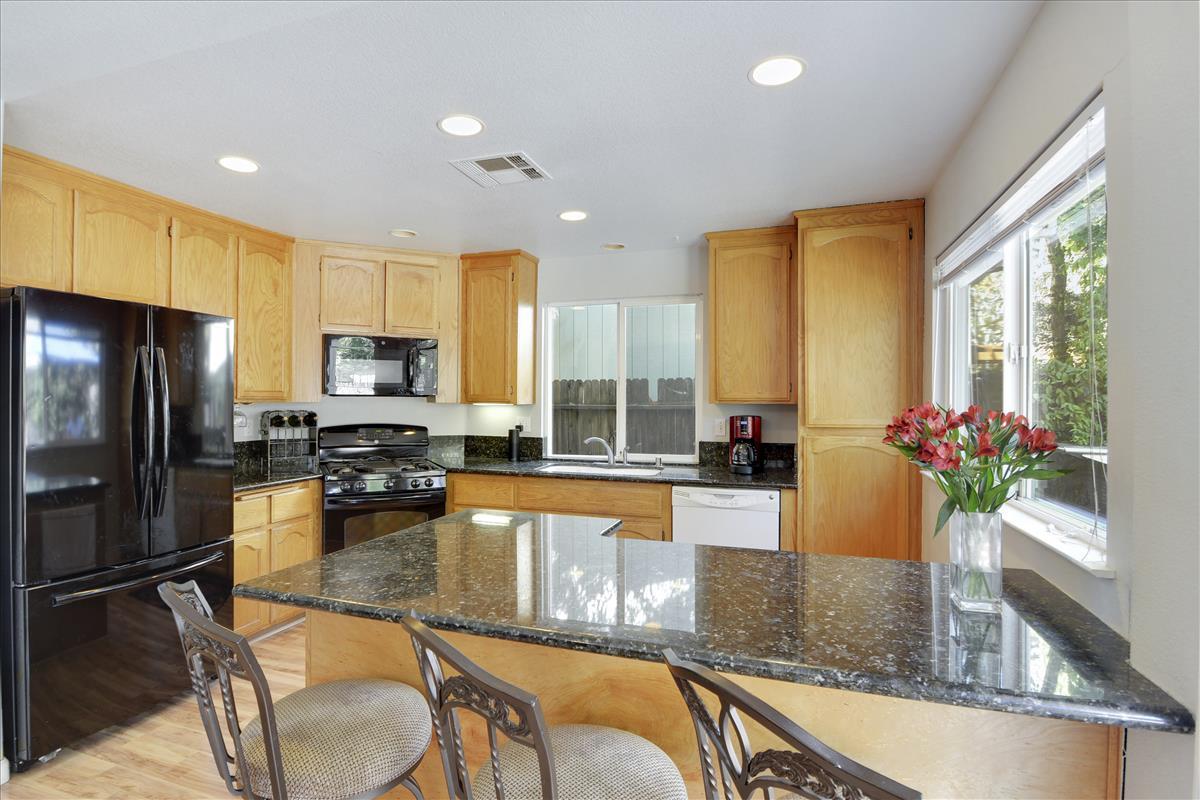 Main Level-Kitchen-DSC0468