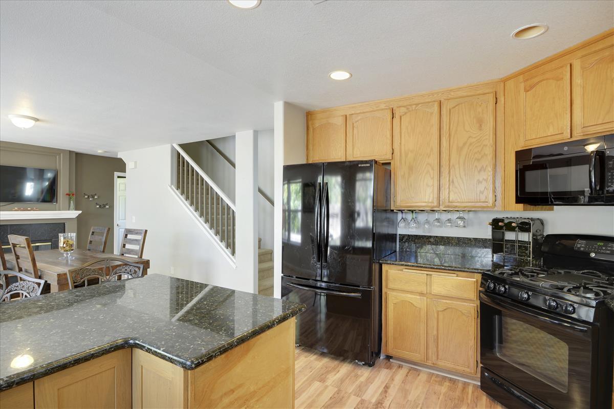 Main Level-Kitchen-DSC0473