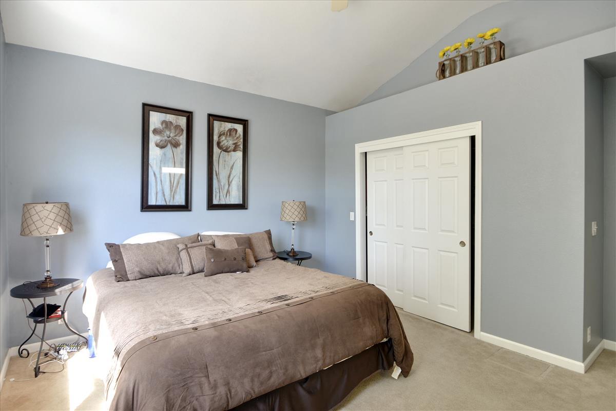 Upper Level-Master Bedroom-DSC0563
