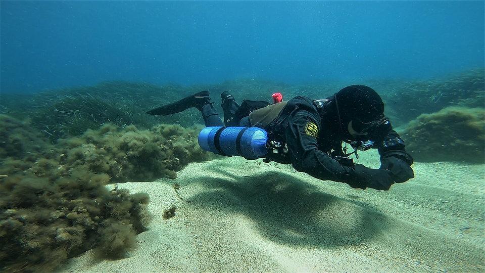 Sidemount Diver Hovering