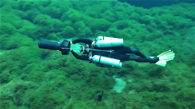 Cave DPV multi stage diver
