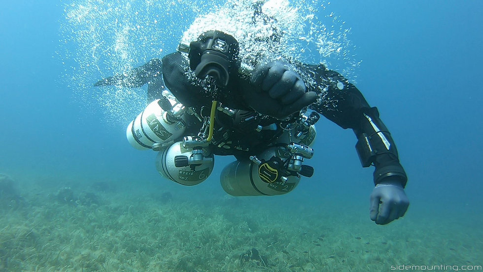 Technical sidemount diver donating gas