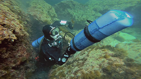 Sidemount Diver with Front Mount