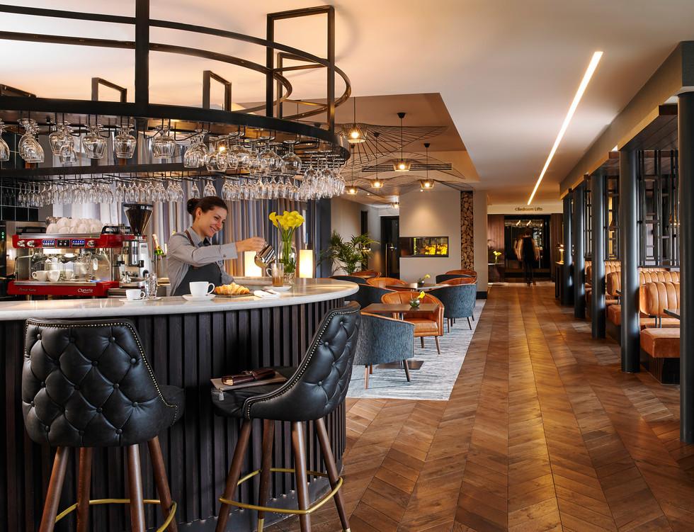 Link Lounge with Coffee Dock_Wine Bar RC