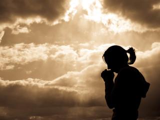 בְּרֶגַע קָטֹן עֲזַבְתִּיךְ; וּבְרַחֲמִים גְּדֹלִים אֲקַבְּצֵךְ
