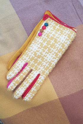 Supersoft yellow geometric gloves with coloured fingered inners.