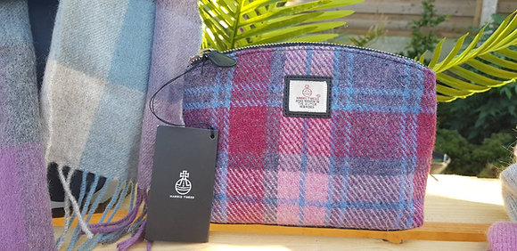 Maccessori cosmetic bag made from Harris Tweed wool.