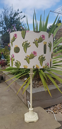 Handmade small cactuslampshade. 30 cm drum